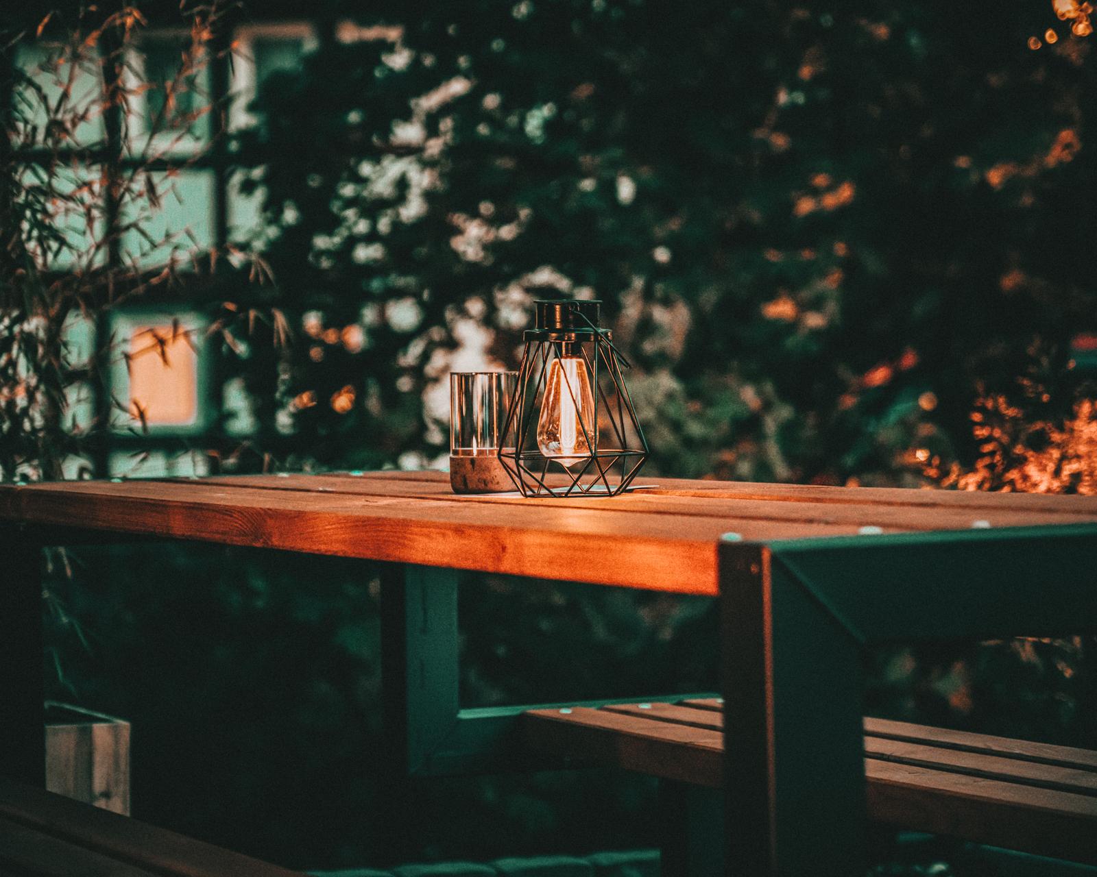 Tischbeleuchtung im Garten